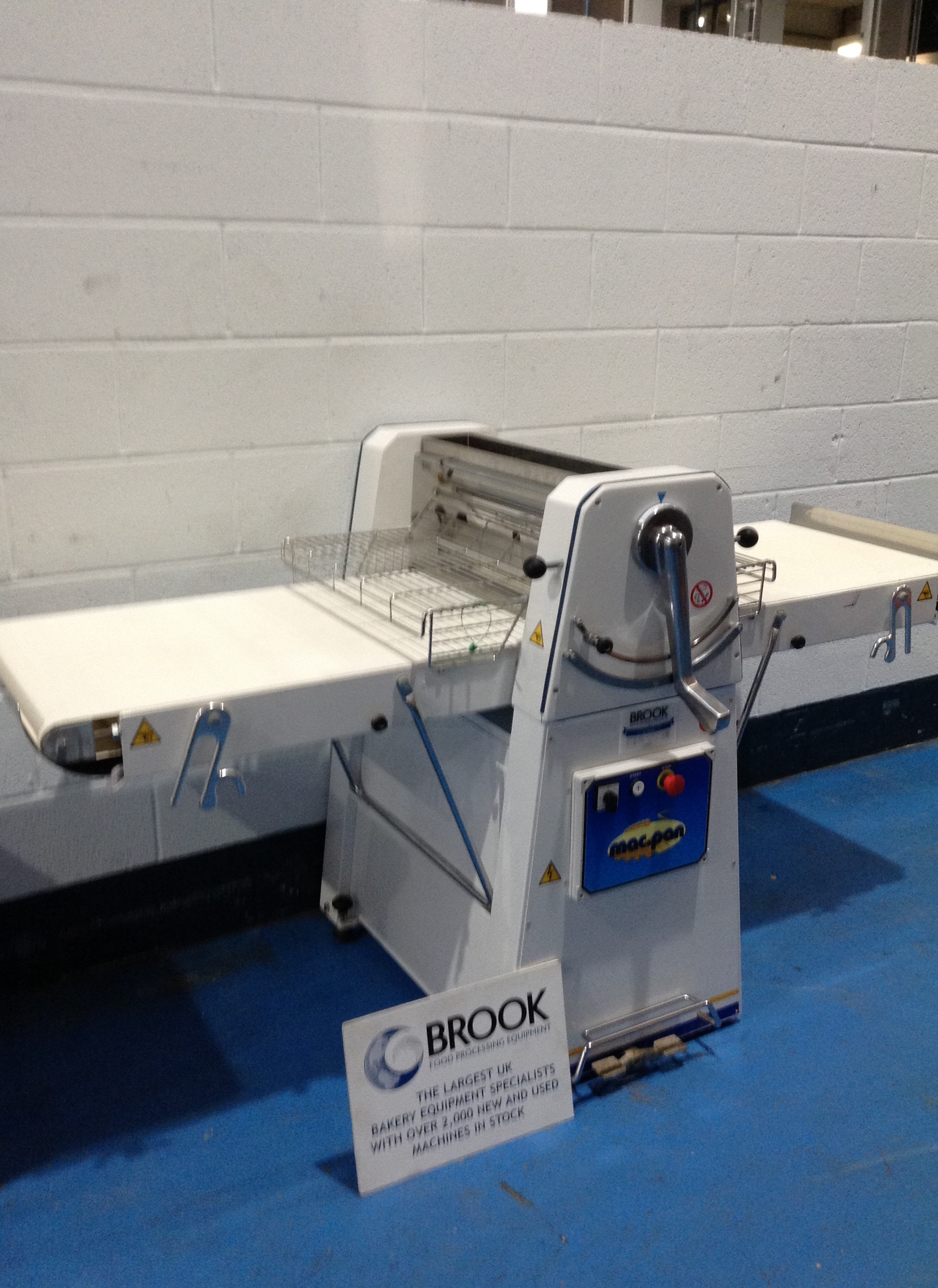 MACPAN FLOOR STANDING PASTRY SHEETER, 500MM WIDE X 1M LONG FOLD UP BELTS, GOOD EX BAKERY, SERVICED