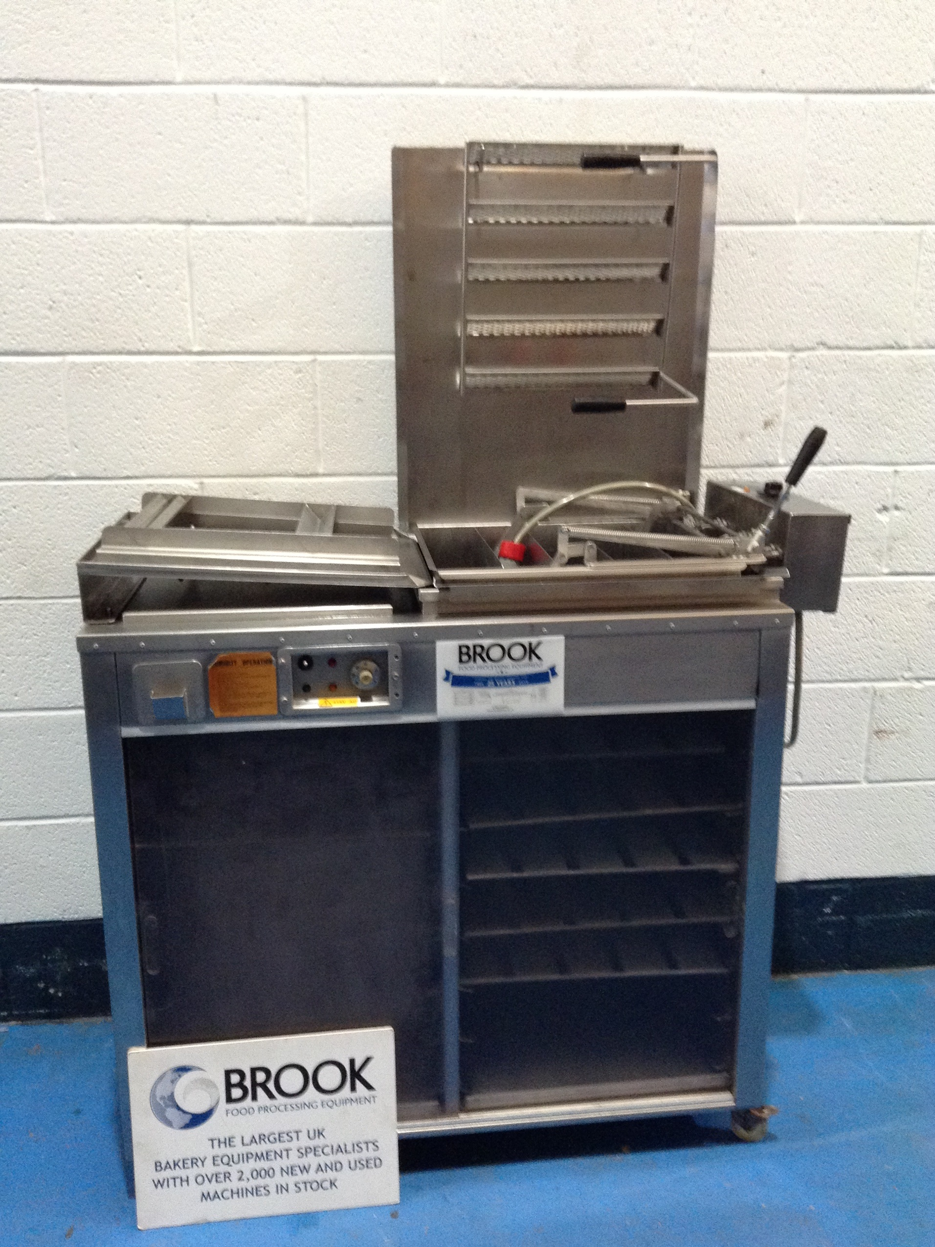 "DCA 18"" X 15"" TRAY FLOAT DONUT FRYER WITH A TURNOVER DEVICE ON PROOVER WITH 12 TRAYS, SERVICED"