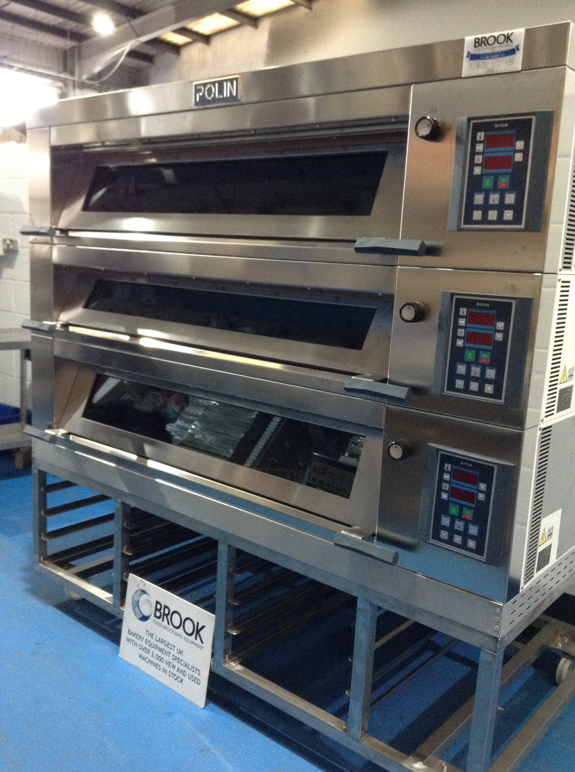 NEW EX DISPLAY POLIN STRTATOS 3 DECK OVEN WITH MIST STEAM