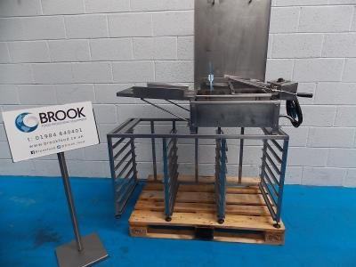 m049112-dca-half-tray-fryer-on-racked-stand-with-12-trays-alb1250.jpg