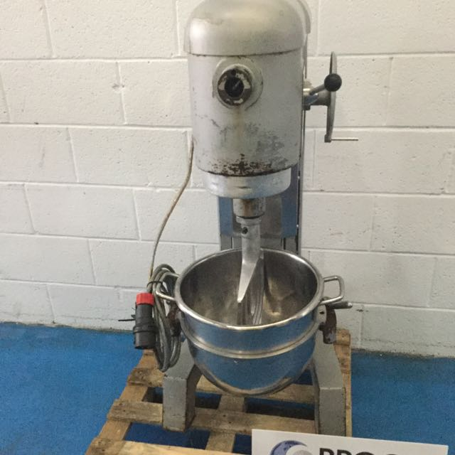 HOBART H300 MIXER, STAINLESS BOWL AND 3 TOOLS, NO GUARD, EX BAKERY CONDITION