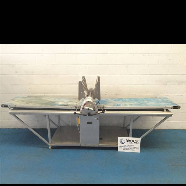 RONDO 600MM WIDE, MANUAL PASTRY ROLLER ON FULL BASE, NEW BELTS
