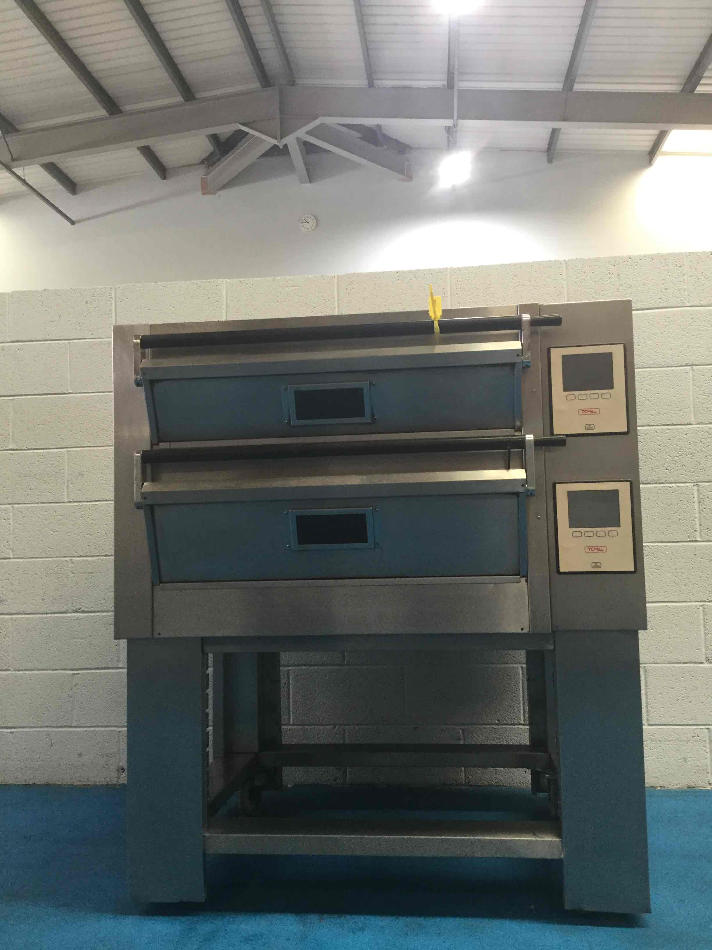 TOM CHANDLEY 4 TRAY, 2 DECK, BAKEMATE CONTROLS, STEAM